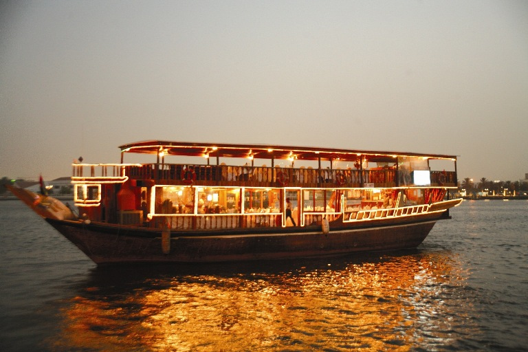 Dhow-Cruise-Dinner-Tours-in-Dubai